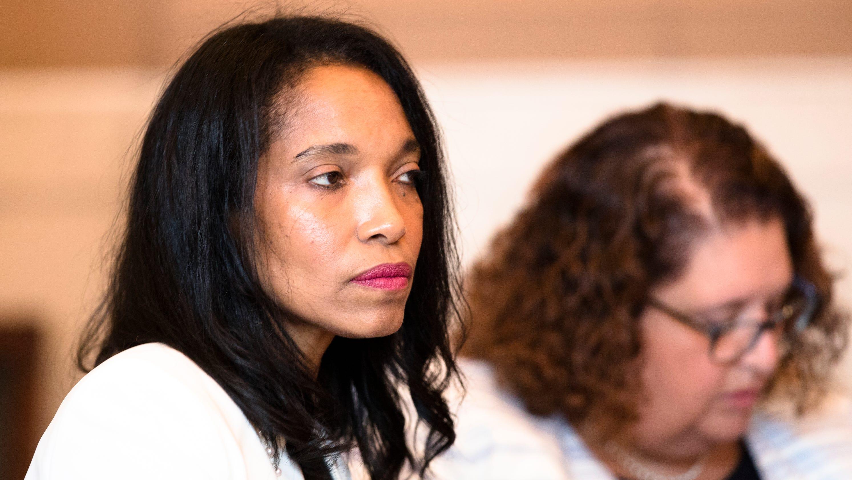 Will economic boycott follow order to send ex-judge Hunter
