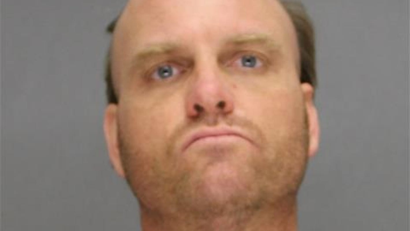$2,000 bond set for De Pere man accused of threatening to bomb Lambeau Field to collect debt
