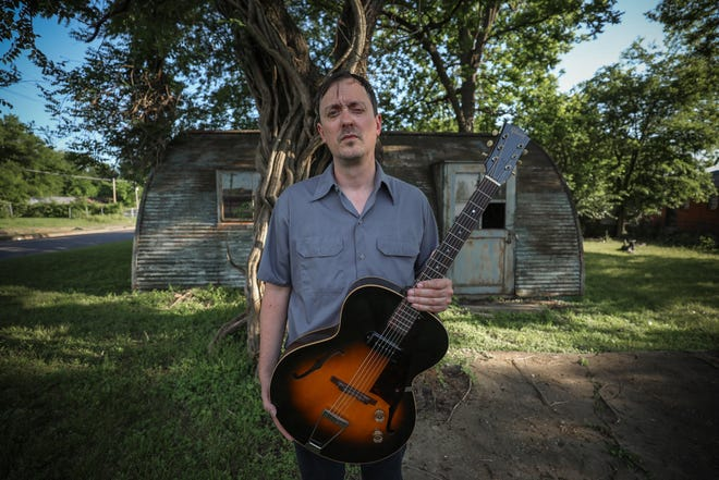 """Where's Joe?"": Guitarist Restivo brings jazz, blues and more to his solo debut."