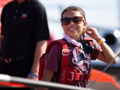 Green Bay Packers tight end Jimmy Graham takes flight with 12-year-old at EAA AirVenture