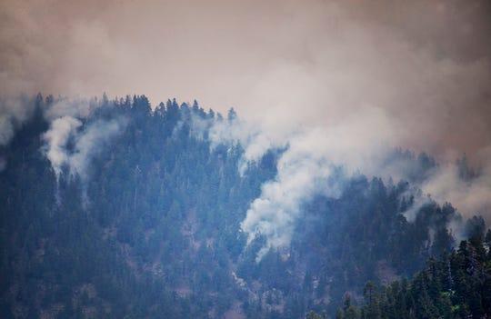 Autoridades reportaron que el 'Museum Fire' ya había consumido 1,000 acres antes del lunes.