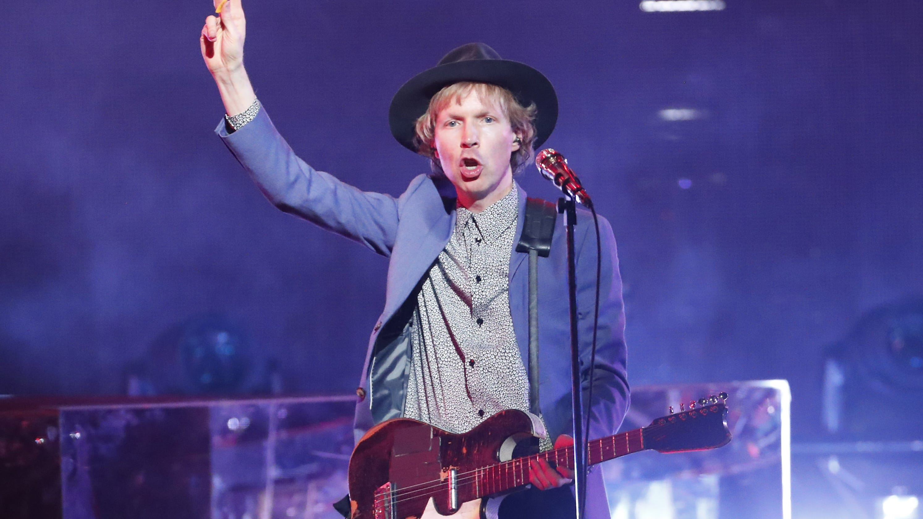 Concert Review Beck Cage The Elephant Spoon Please