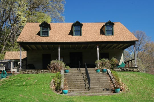 Founding member Johnston de Peyster acquired 14 acres and had this clubhouse built for the Edgewood Club in Tivoli during the late 19th century. The private tennis and golf club was founded at the Oak Terrace estate of Valentine Hall Jr., maternal grandfather of future first lady Eleanor Roosevelt.