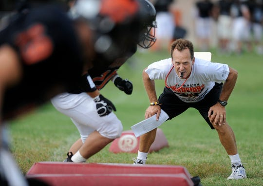 Washington coach Brian Hermanson's 2010 team went 13-0 and outscored opponents 549-62.