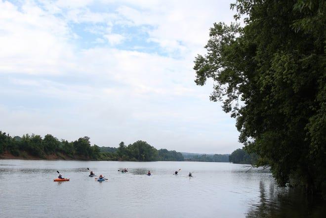 Canoe and Kayak race on the Cumberland