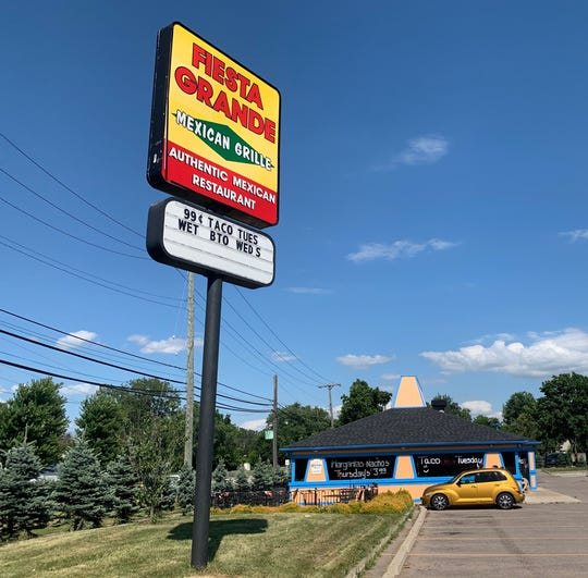 Another Pizza Hut transformed into a Mexican cuisine restaurant. This location is on the Vreeland Road and Telegraph Road. Captured on July 9.