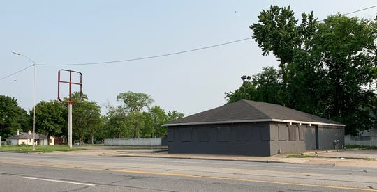 This Pizza Hut has been shut down and boarded up on Grand River Avenue and McNicholas Road. Captured on July 8.