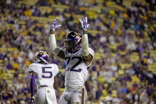 Oct 20, 2018; Baton Rouge, LA, USA; LSU Tigers cornerback Kristian Fulton (22) gestures against the Mississippi State Bulldogs during the second half at Tiger Stadium. LSU defeated Mississippi State 19-3. Mandatory Credit: Derick E. Hingle-USA TODAY Sports