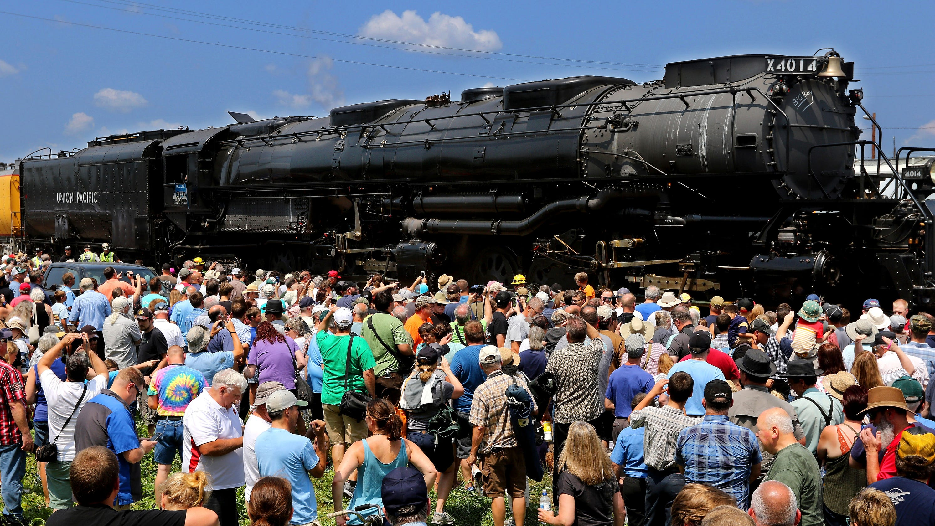 Big Boy No  4014 is rolling through Wisconsin, coming to