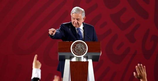 El Presidente Andrés Manuel López Obrador aseguró que no se va a entregar dinero a líderes sindicales, y pidió reducir el número de comisionados y viáticos a dirigentes.