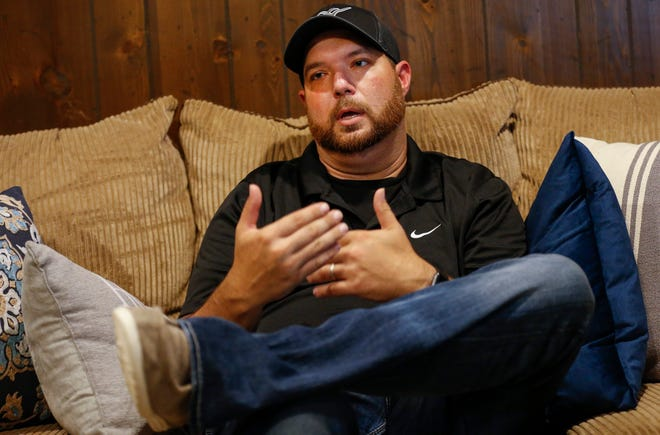 Curtis Martin talks about the kidney transplant he received from his uncle out of SSM Saint Louis University Hospital.