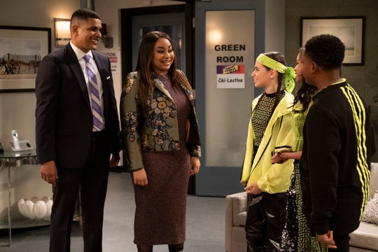 """A scene from """"Raven's Home,"""" episode 310, shows actors Jonathan McDaniel, Raven-Symone, Sky Katz, Navia Robinson and Isaac Brown."""