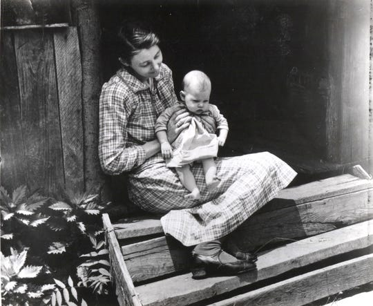 Mother and child, June 21, 1932. From a collection of photos of people in the Smoky Mountains during the 1920s, 1930s and 1940s.
