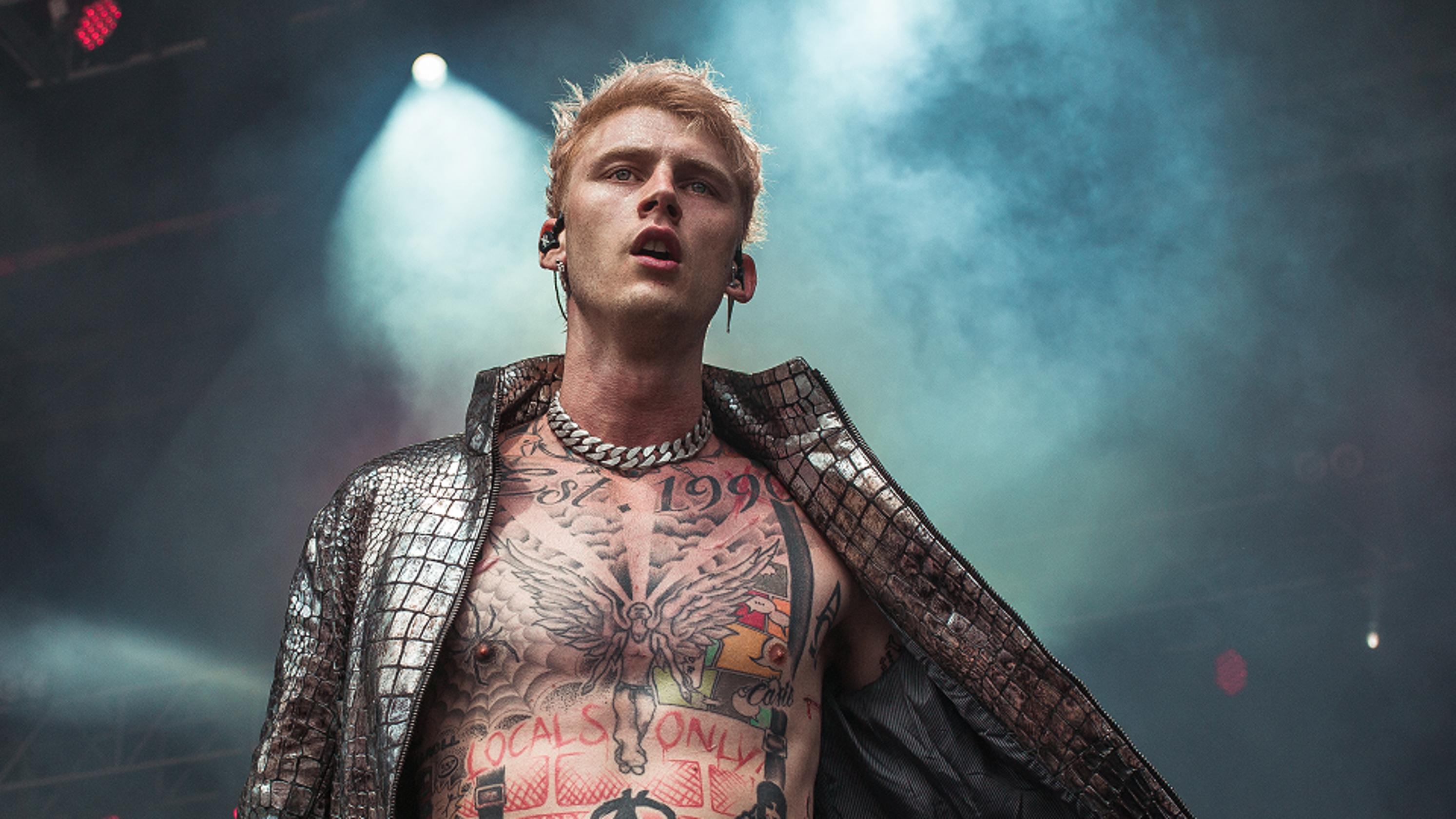 Young Thug Machine Gun Kelly Tour To Stop At Detroit S Fox Theatre