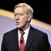 Presidential candidate and former Massachusetts governor Bill Weld addresses the crowd.