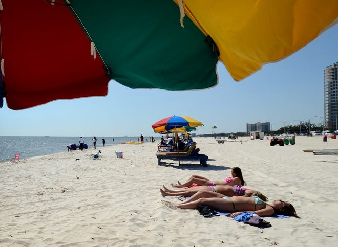 Poop Poses Potential Health Risks At Mississippi Us Beaches