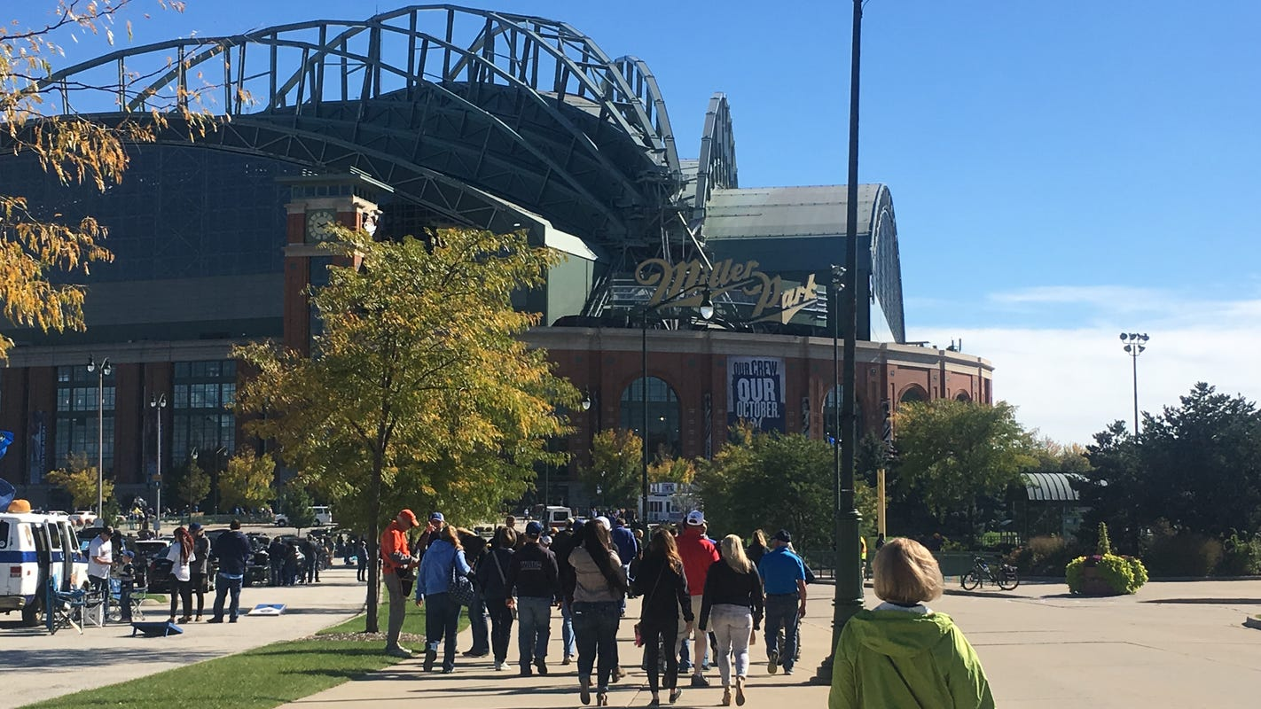 Milwaukee Veterans Career Fair Saturday at Miller Park