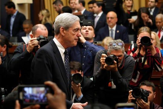 El ex fiscal Robert Muller a su llegada al recinto, en el que compareció ante la Comisión de la Cámara de Representantes.