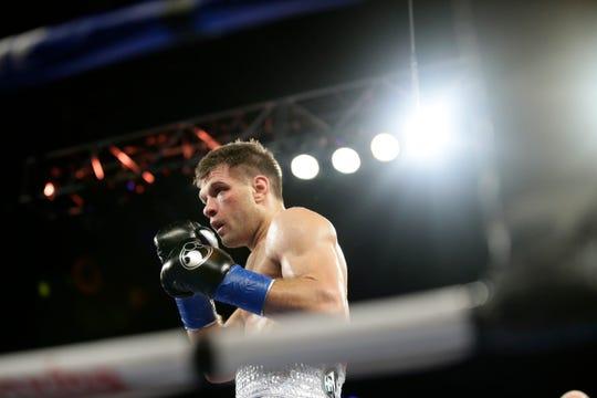 El púgil ucraniano Sergiy Derevyanchenko podría enfrentar a 'Canelo'.