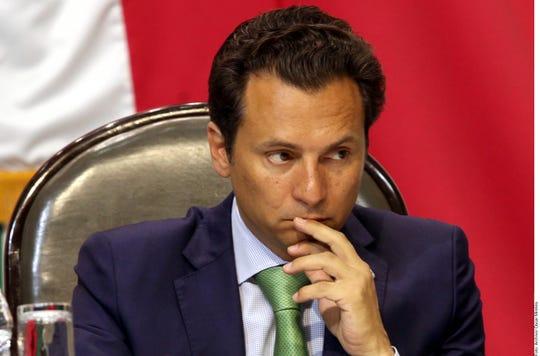 El expediente refiere que el 16 de noviembre de 2010, por órdenes de Emilio Lozoya, es director de Pemex, se transfirieron 5 millones de pesos a su madre desde una cuenta en Suiza a nombre de Tochos Holding, administrada por la empresa TMF Services S.A.