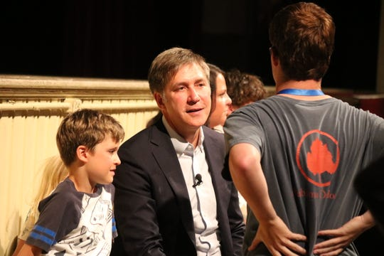 Emmy Award-winning CBS reporter Steve Hartman speaks with audience members during a visit to Lakeside on Tuesday.