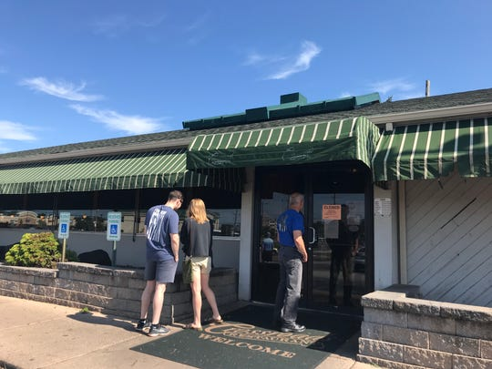 Customers on Wednesday learned that Crossroads, a popular diner at the corner of Kirkwood Highway and Limestone Road in Milltown, was temporarily closed by the health department.