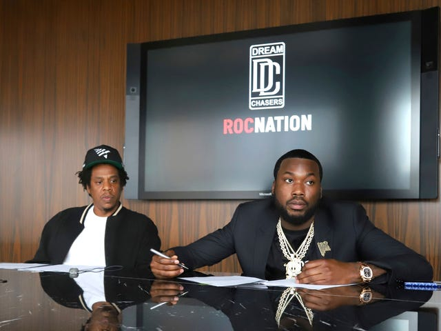 Who is signed to roc nation
