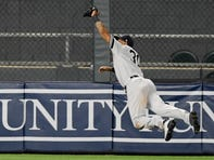 Aaron Hicks ends wild Yankees-Twins game with catch of the year candidate