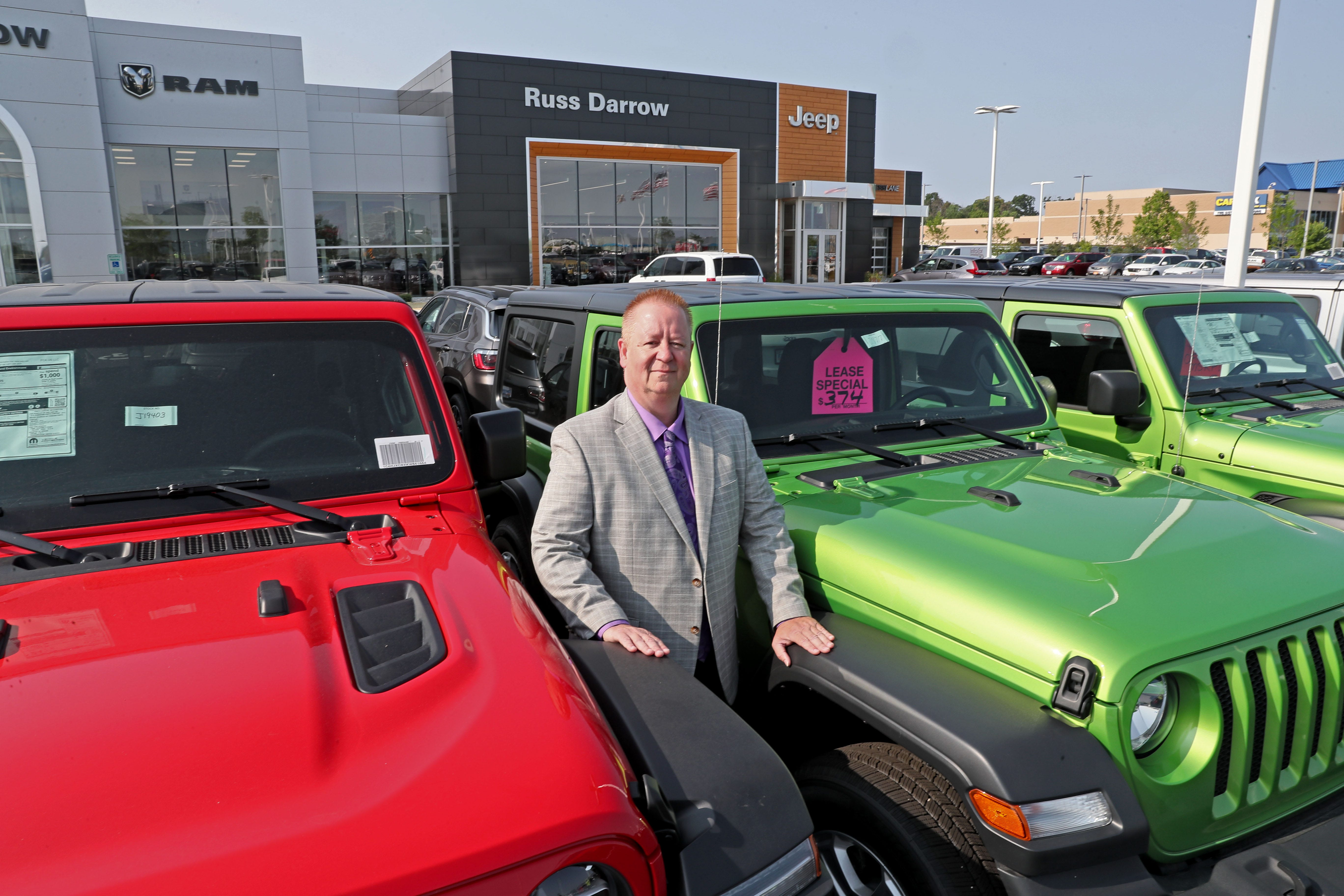 Northwest Chrysler Jeep Dodge >> Russ Darrow Moves Chrysler Jeep Dodge Dealership To Metro