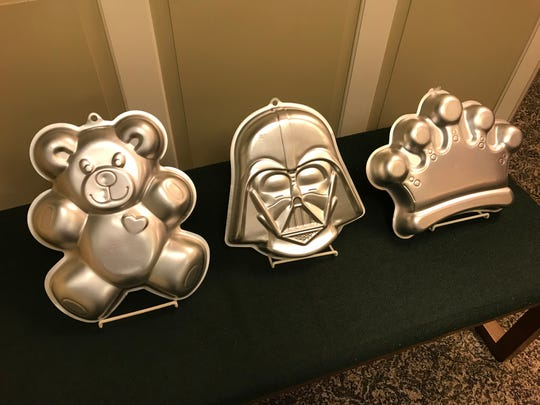 Cake pans can be borrowed from the Glen Rock Public Library.