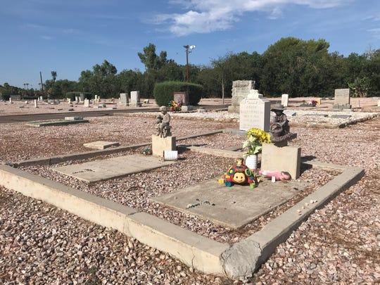 Graves at Glendale Memorial Park Cemetery