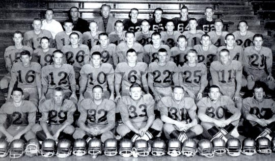 Team photo of the 1959 Milbank Bulldogs