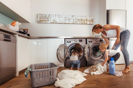 Purchase the perfect washer and dryer for your family with tips from appliance experts.