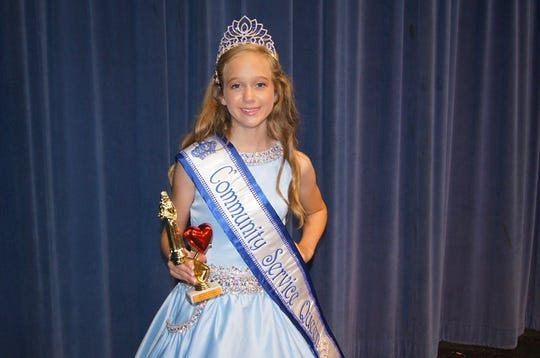Lexi Hensley wins Community Service Queen 2018 at Karns Fairest of the Fair Pageant in July 2018.