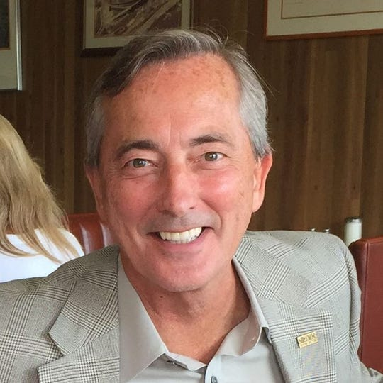 Bob Thomas is running for the Knoxville City Council at Large Seat C.