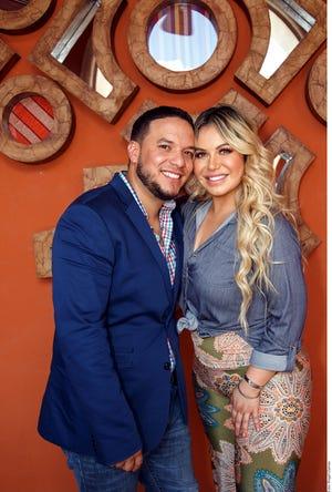 Lorenzo Méndez y 'Chiquis' Rivera disfrutan su matrimonio.