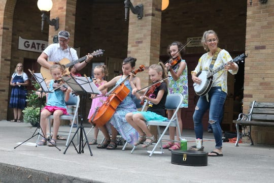 With a blend of guitar, mandolin, banjo, cello, violin and even the harmonica, each member of the Maechner family played a key part in their heart-warming ensemble.