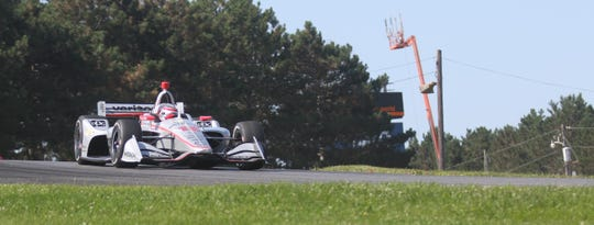 Team Penske's Will Power claims P1 on Saturday for the Honda Indy 200 at Mid-Ohio.