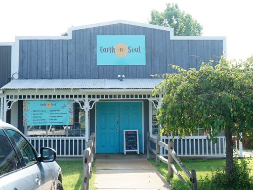 Earth-N-Soul now offering candles, essential oils, CBD in