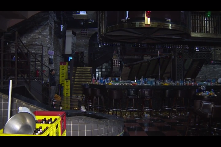 Two dead in Korean nightclub balcony collapse at world swim meet