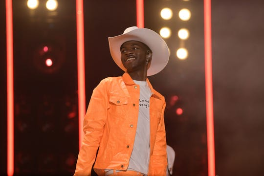 'Country Music' director Ken Burns on 'Old Town Road' breaking chart record: 'Water is wet'