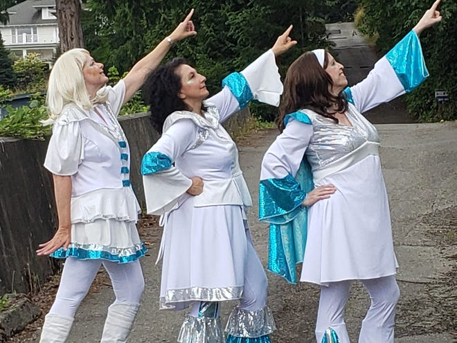 """Courtney Turnley (Tanya, from left), Nita Wilson (Donna) and Kim Myers (Rosie) play """"Donna and the Dynamos."""""""