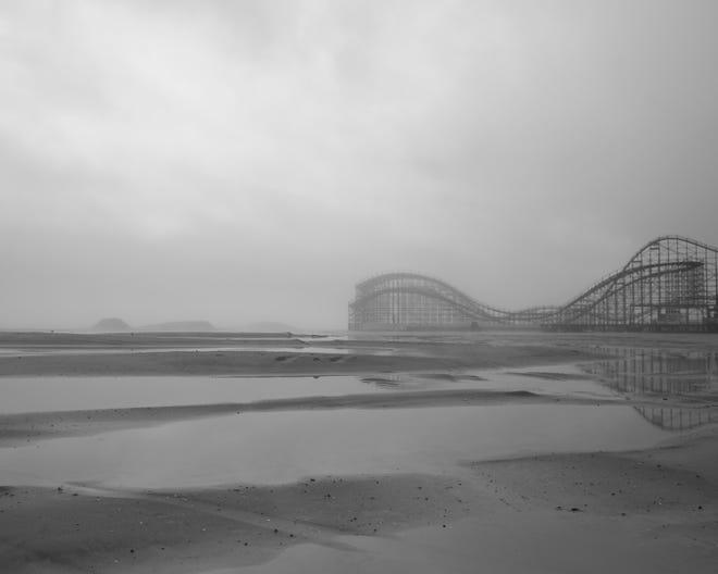 An eerie scene, post Huricane Sandy, by Kamelia Ani.