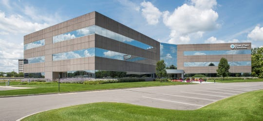 California-based eHealth is leasing a building in the Lakefront at Keystone with plans to establish its eastern time zone headquarters in Indianapolis.