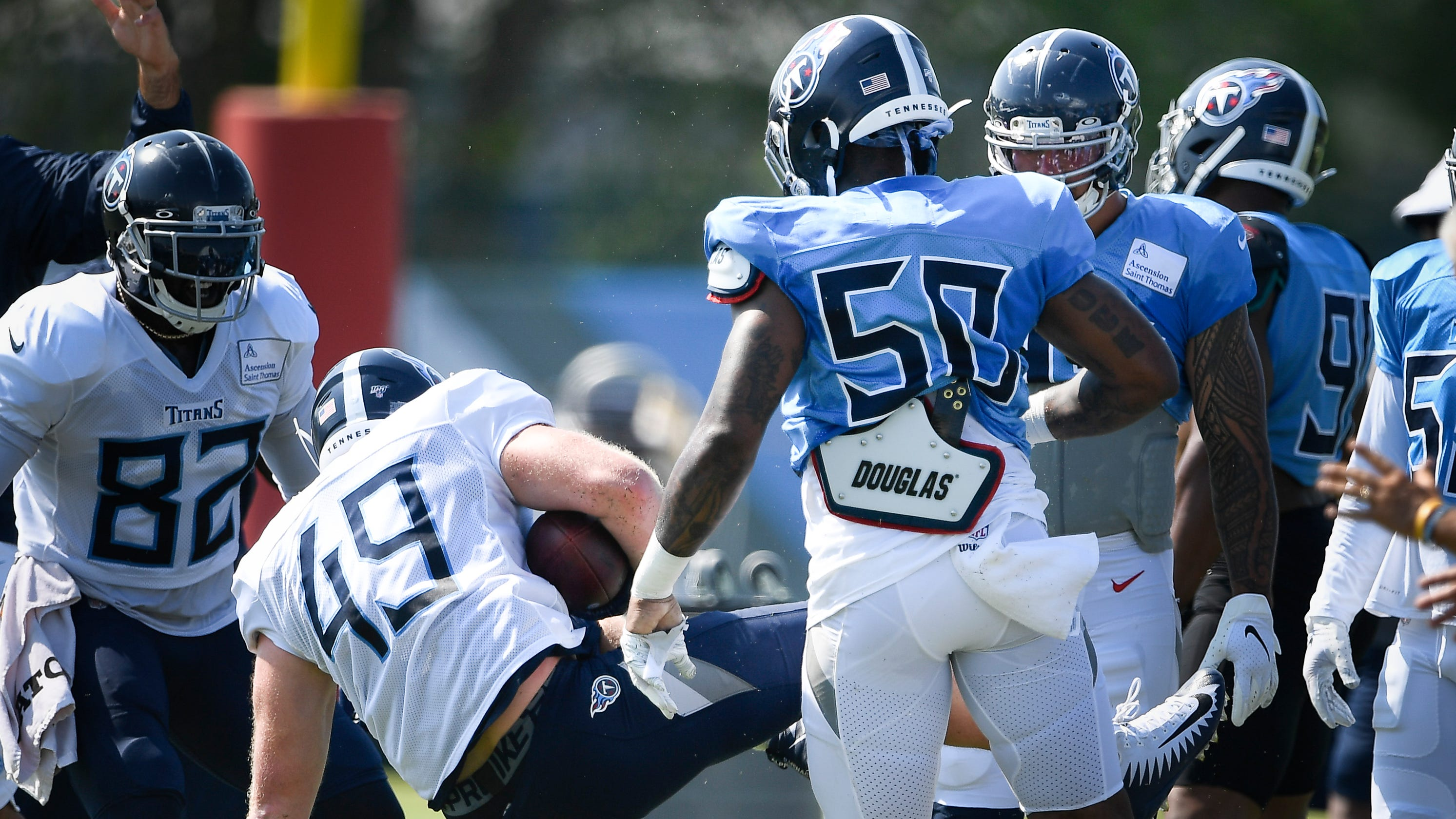sports shoes d0a27 51cc8 Titans training camp: D'Andre Walker out, Derick Roberson in?