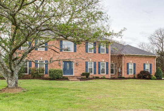 SUMNER COUNTY: 224 The Hollows Court, Hendersonville 37075