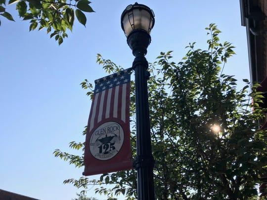 A lamp post in Glen Rock.