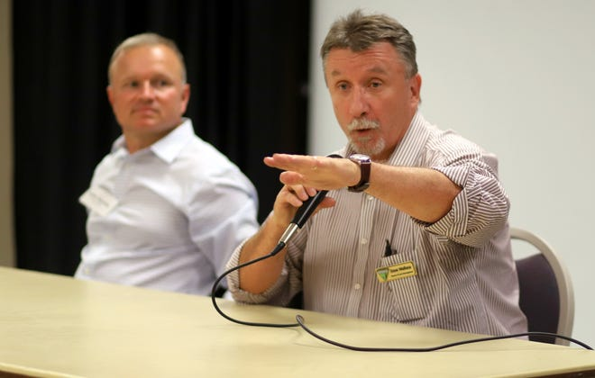 Dave Wallace of the BLM District Office in Las Cruces fields a question from the audience.