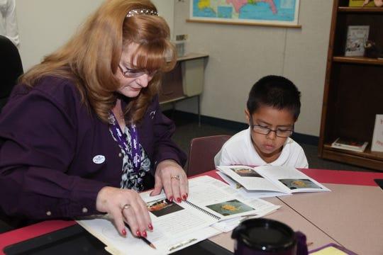 En el condado de Maricopa existen más de 30 centros de recursos familiares que se especializan en fortalecer familias.