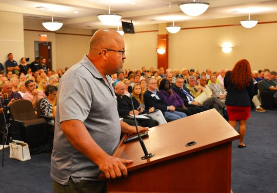 Steve Phrampus of Sawgrass Lakes said he and his neighbors all have prblems with smelly water. It was a packed city council chamber with 219 people in the meeting and people waiting to get in for the meeting on the water quality of Melbourne's drinking water.